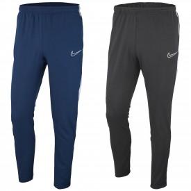 - Nike BV5836
