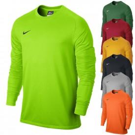 - Nike 588418